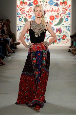 LENA HOSCHEK-Mercedes-Benz-Fashion-Week-Berlin-SS-18-71748