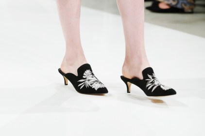RIANI-Mercedes-Benz-Fashion-Week-Berlin-SS-18-023