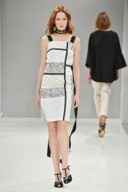 RIANI-Mercedes-Benz-Fashion-Week-Berlin-SS-18-029