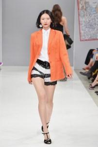 RIANI-Mercedes-Benz-Fashion-Week-Berlin-SS-18-033