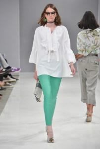 RIANI-Mercedes-Benz-Fashion-Week-Berlin-SS-18-061