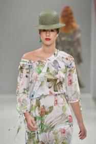 RIANI-Mercedes-Benz-Fashion-Week-Berlin-SS-18-070
