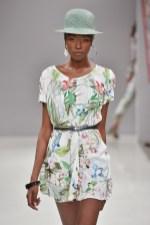 RIANI-Mercedes-Benz-Fashion-Week-Berlin-SS-18-076