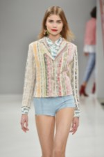 RIANI-Mercedes-Benz-Fashion-Week-Berlin-SS-18-083