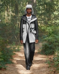 Burberry Spring_Summer 2021 Collection - Look 32