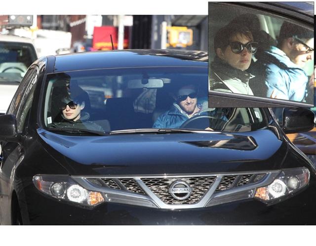 Anne Hathaway Luxury Car Nissan Murano Photos Fashion 2019