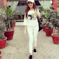 HQ wallpapers gallery Kinza Hashmi