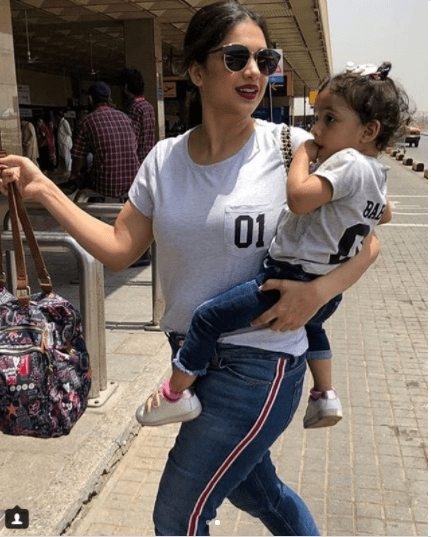 Sanam Jung Spotted at Airport with her Daughter Leaving for