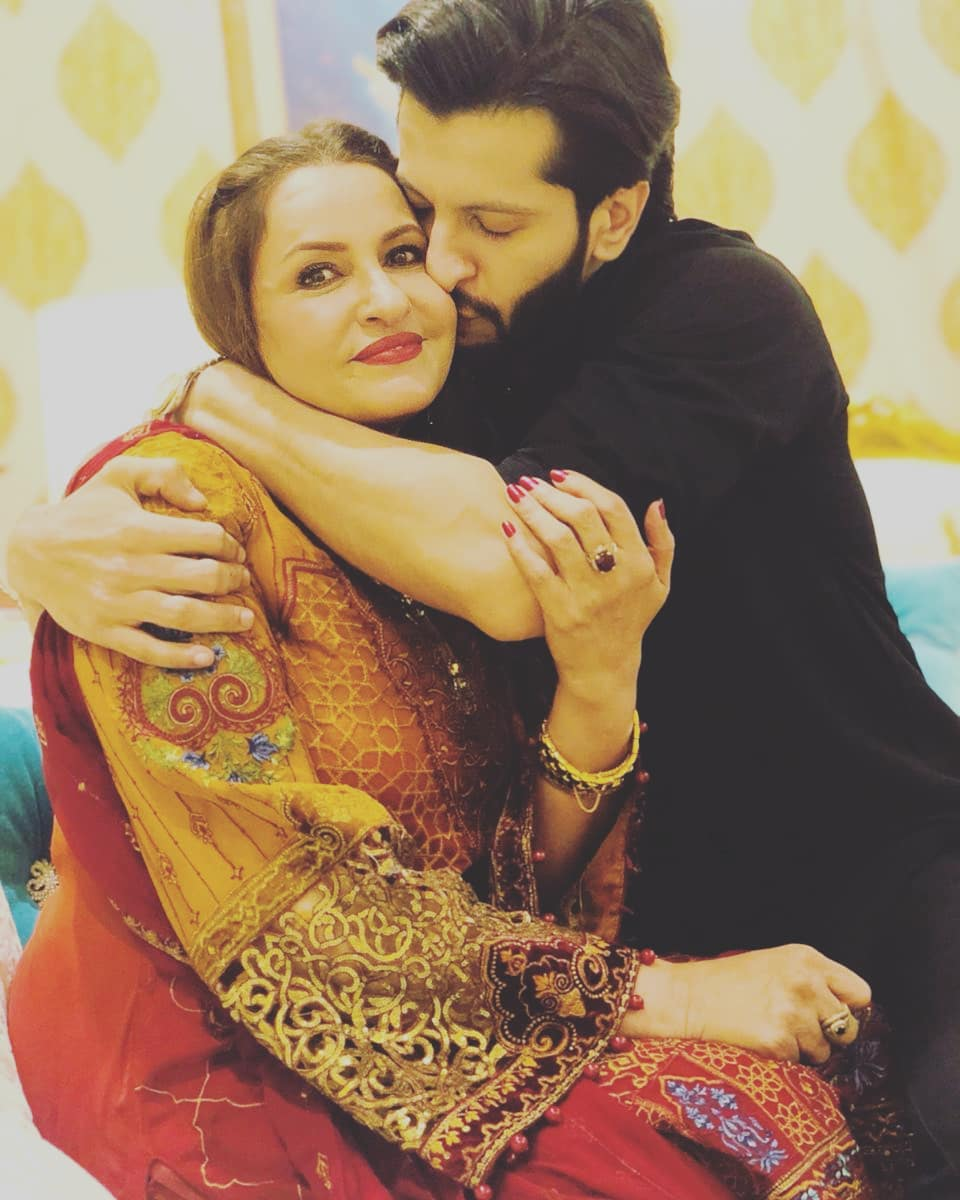 Awesome Photos of Saba Faisal with her Children