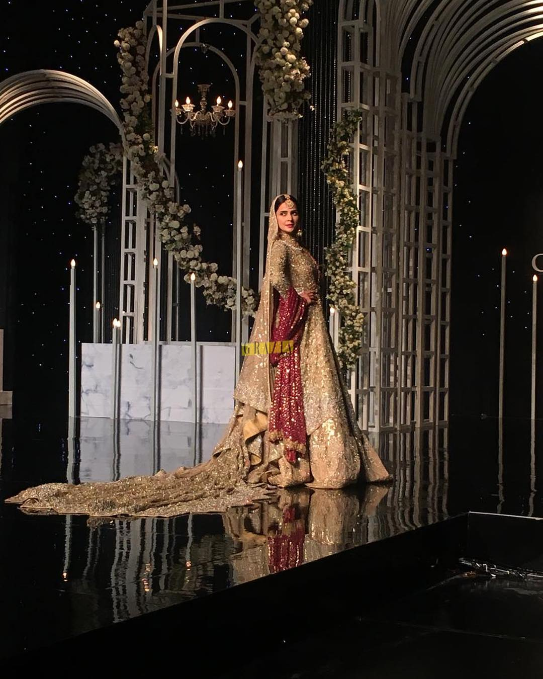 Awesome Entry of Saba Qamar on Ramp at PHBCW in Lahore
