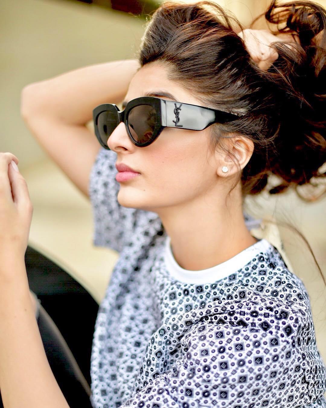 Latest Beautiful Clicks Of Mawra Hocane Pakistani Drama Celebrities