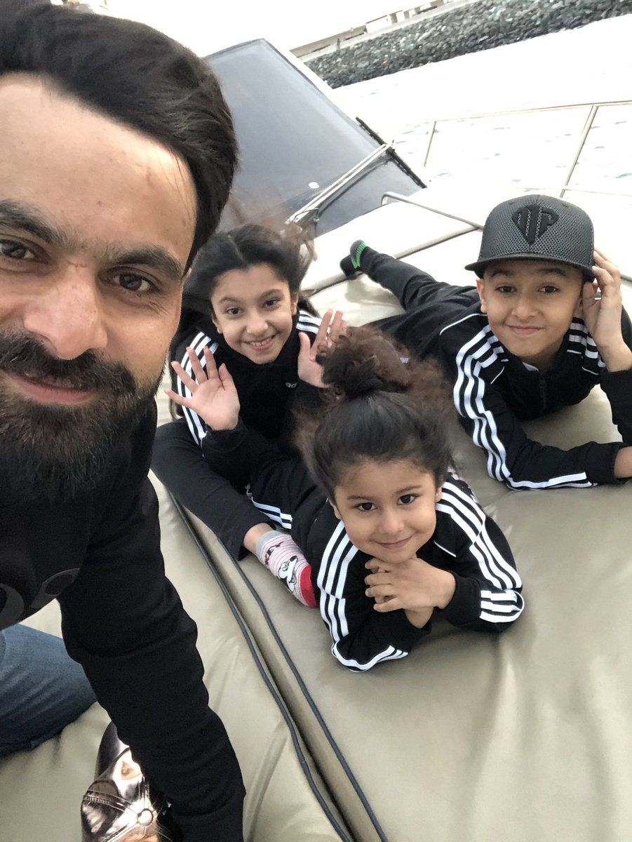 Beautiful Clicks Of Cricketer Muhammad Hafeez With His Wife And Kids Pakistani Drama Celebrities
