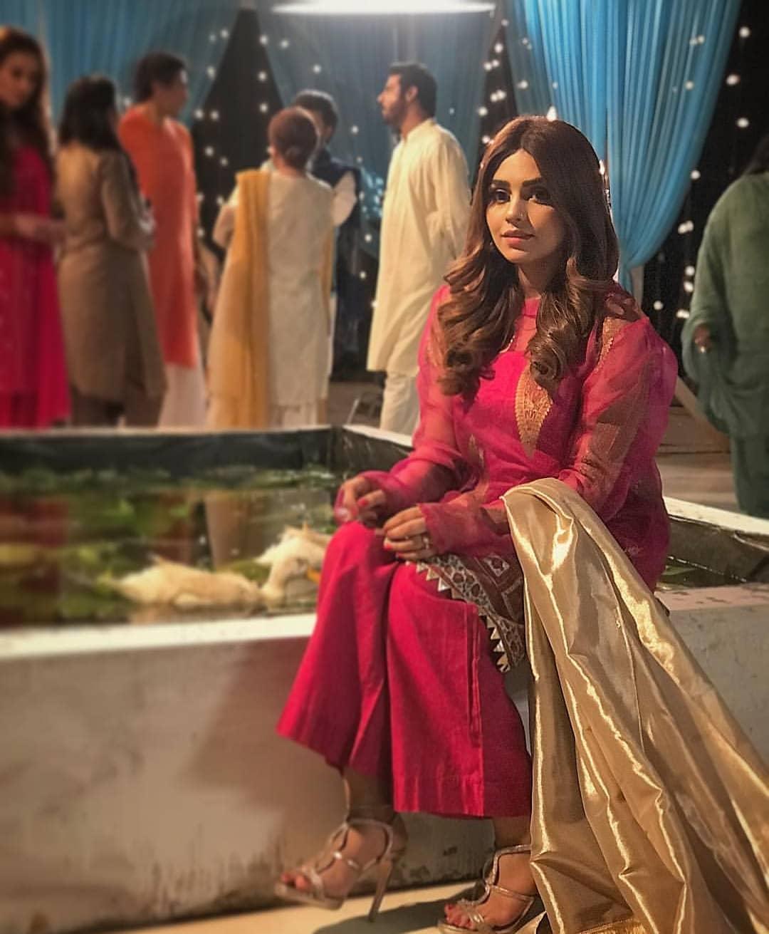 Iqra Aziz And Farhan Saeed On The Set Of Suno Chanda 2