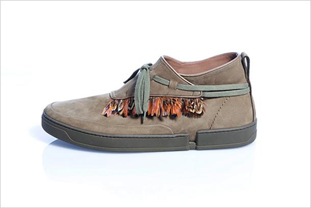 Vanguardia y color en colecciones otoñales de calzado masculino