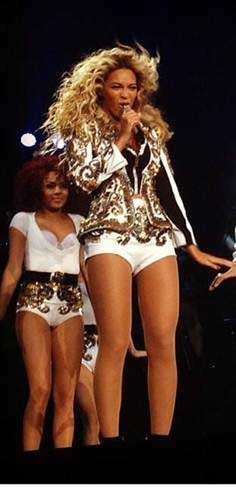 beyonce costume by dsquared2 onstage