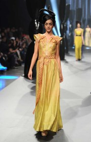 Zareena - Runway - Fashion Forward Dubai April 2014