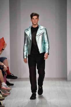 Vektor Show - Mercedes-Benz Fashion Week Spring/Summer 2015