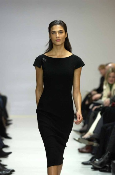 Carmen Marc ValvoNew York Fall 2002Ready to wear 2002