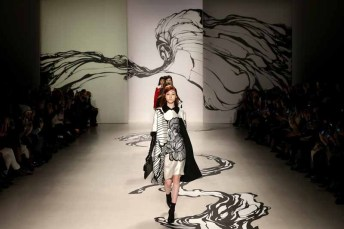 LIE SANGBONG Fall-Winter 2015 Collection Show