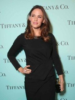 BEVERLY HILLS, CA - OCTOBER 13: Actress Jennifer Garner attends Tiffany & Co.'s unveiling of the newly renovated Beverly Hills store and debut of 2016 Tiffany masterpieces at Tiffany & Co. on October 13, 2016 in Beverly Hills, California. (Photo by Todd Williamson/Getty Images for Tiffany & Co.)