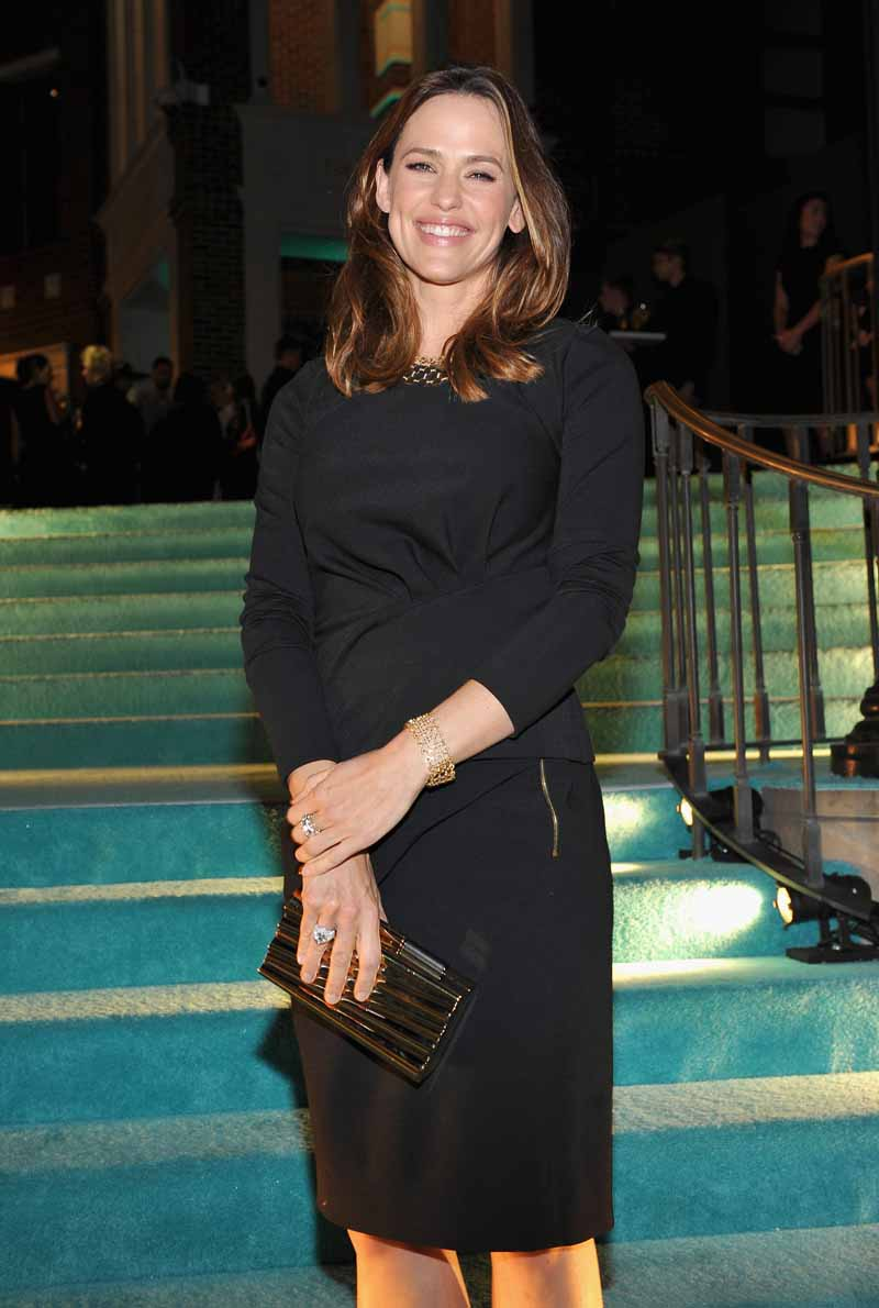 BEVERLY HILLS, CA - OCTOBER 13: Actress Jennifer Garner attends Tiffany & Co.'s unveiling of the newly renovated Beverly Hills store and debut of 2016 Tiffany masterpieces at Tiffany & Co. on October 13, 2016 in Beverly Hills, California. (Photo by Donato Sardella/Getty Images for Tiffany & Co.)