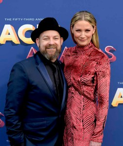 The 53rd Academy of Country Music Awards red carpet is held at the MGM Grand Garden Arena on the Las Vegas Strip. Here Kristian Bush and Jennifer Nettles better know as Sugarland walk the ACM red carpet. Sunday, April 15, 2018. CREDIT: Glenn Pinkerton/Las Vegas News Bureau