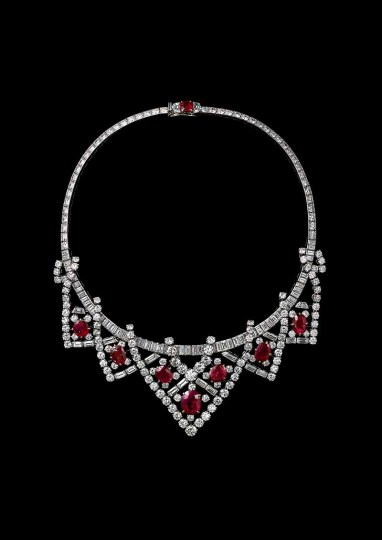 Cartier Paris Necklace 1951, altered 1953, platinum, gold, diamonds, Burmese rubies, 37.5 cm (length), Photo: Vincent Wulveryck, Cartier Collection, © Cartier. Provenance: Elizabeth Taylor