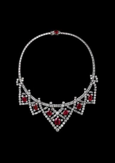 Cartier Paris Necklace 1951, altered 1953, platinum, gold, diamonds, Burmese rubies, 37.5 cm (length), Photo: Vincent Wulveryck, Cartier Collection, © Cartier. Provenance: Elizabeth Taylor