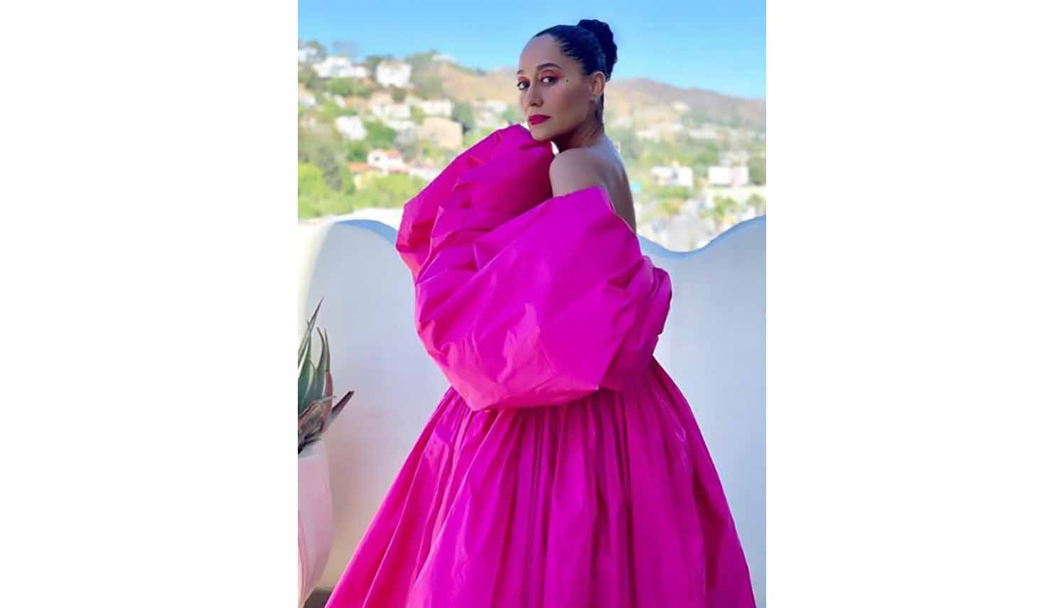 Tracee Ellis Ross to Host The Fashion Awards 2019