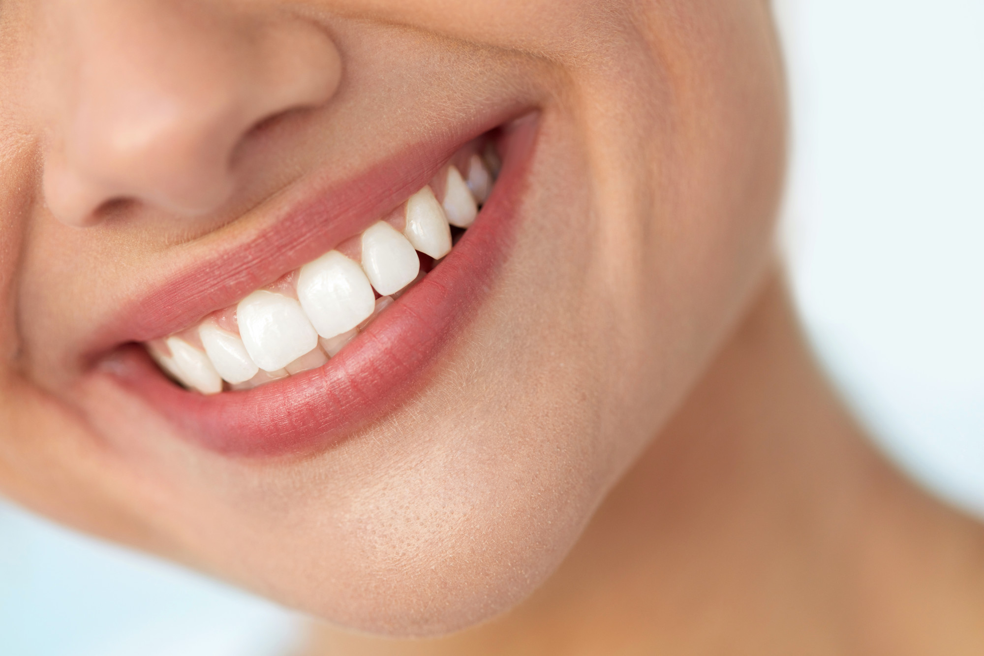 Flash Your Whites! Top 5 Tips for a Beautiful Smile
