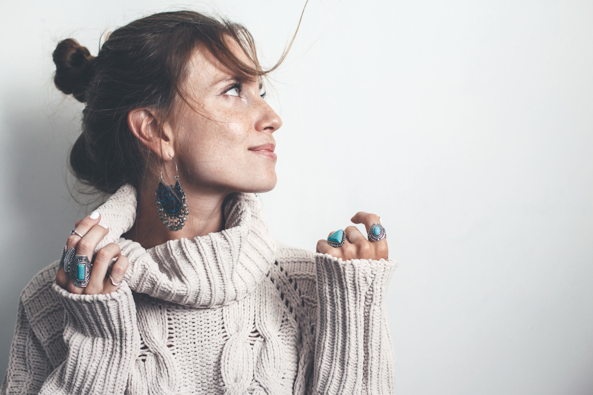 Top 5 Factors to Consider When Buying Fall Outfit Jewelry