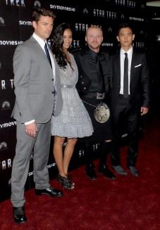 Karl Urban, Zoe Saldana, Simon Pegg, John Cho