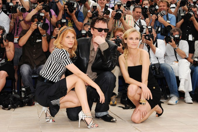 Melanie Laurent with director Quentin Tarantino and Diane Kruger at the Inglourious Basterds Photocall