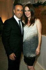 Francisco Costa and Julianne Moore