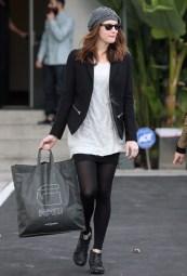 Liv Tyler shops wearing G-Star