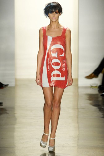 JEREMY-SCOTT-FALL-RTW-2011-PODIUM-003_runway