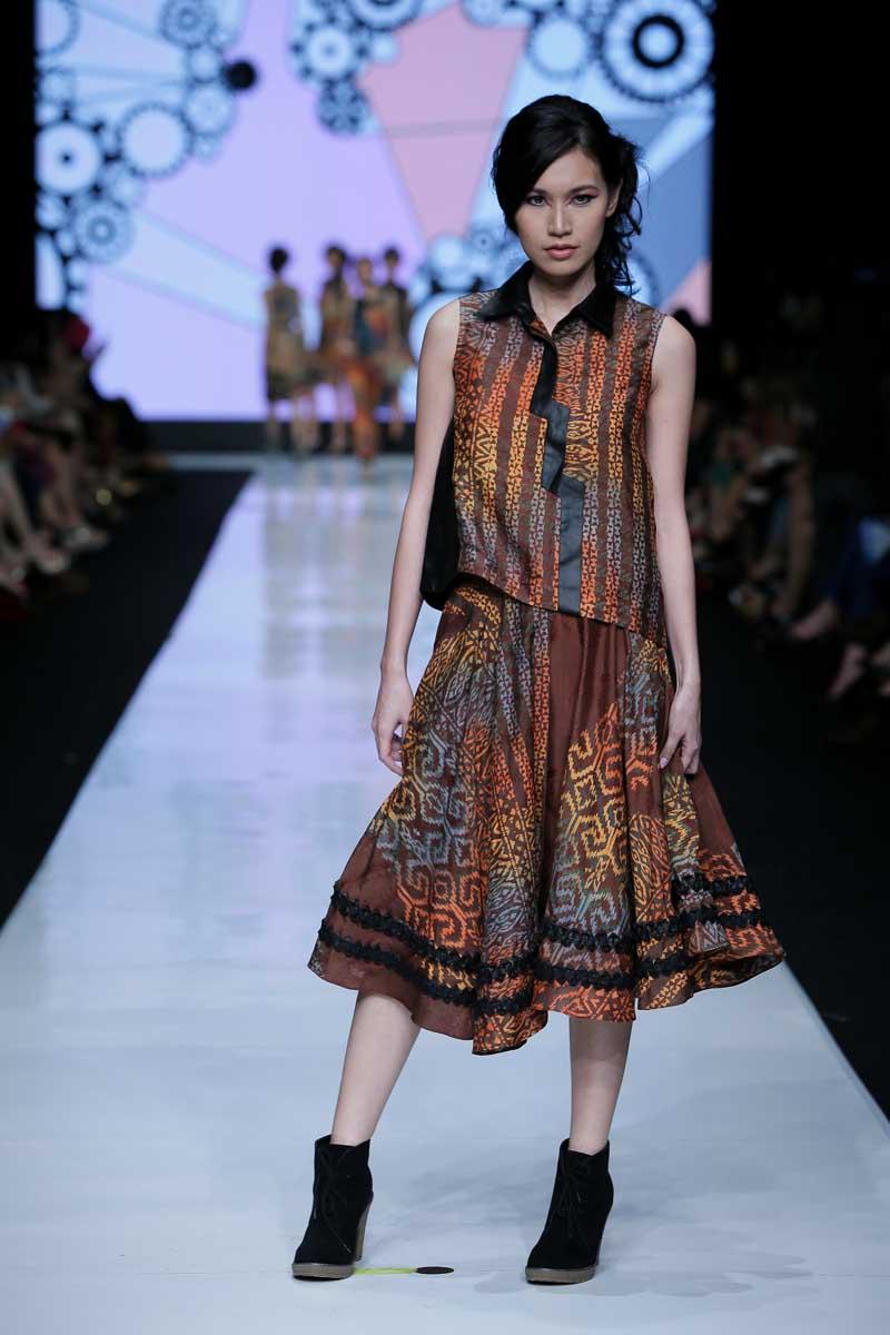 Jakarta Fashion Week 2014 Alleira Batik By Manda Rahardjo Fashionwindows Network
