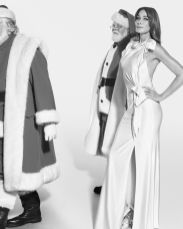 Burberry-Festive-Campaign-c-Courtesy-of-Burberry-Mert-Alas-and-Marcus-Piggott-002