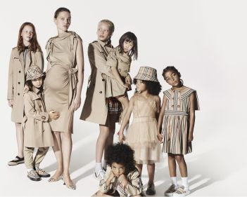Burberry-Festive-Campaign-c-Courtesy-of-Burberry-Mert-Alas-and-Marcus-Piggott-007