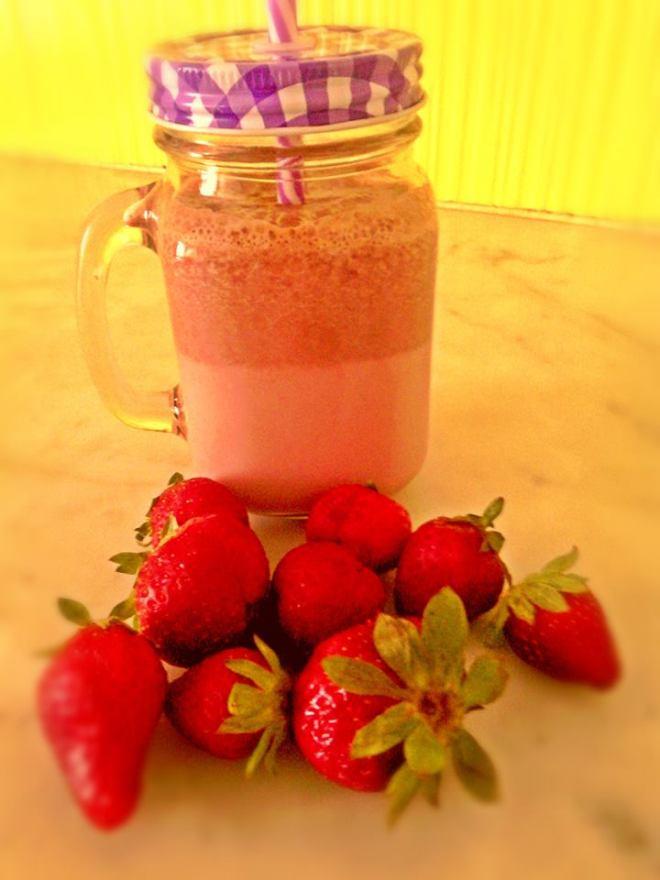 strawberry cocoa milkshake