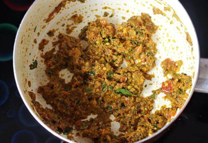 frying chaaru masala