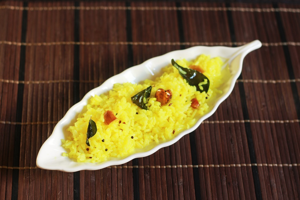 Lemon Rice recipe – one of the most popular and often made rice recipe in South India. #lemonrice #indianrecipe #halalrecipe #indianricevariety