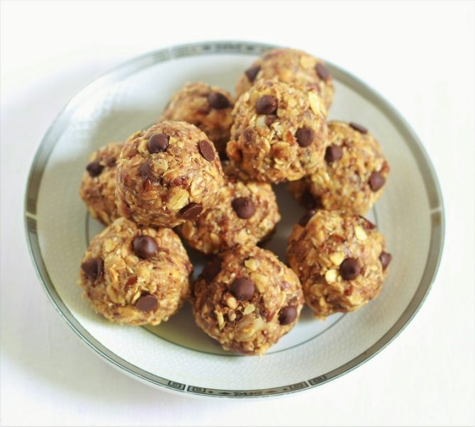 close up of No Bake Peanut Butter Oatmeal Balls