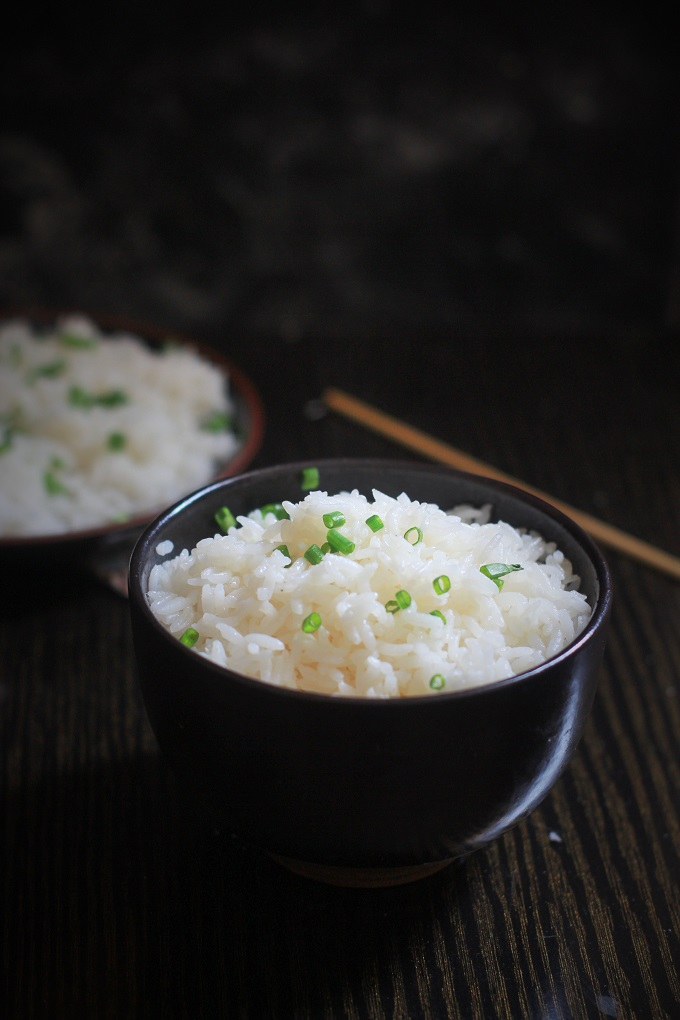 Butter Garlic Rice recipe or the easy garlic butter rice is a rice dish that  do not take too much of time. It is a dish that is something which I can cook in a jiffy and yet taste delicious.