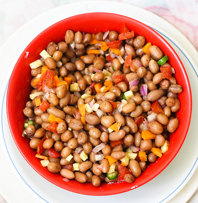 Peanut chat masala recipe is a simple and delicious snack. It is very easy to make and pretty quick too.  You can soak the peanuts ahead of time and keep them in fridge for up to a week. Then, you can boil them whenever you want to make them.