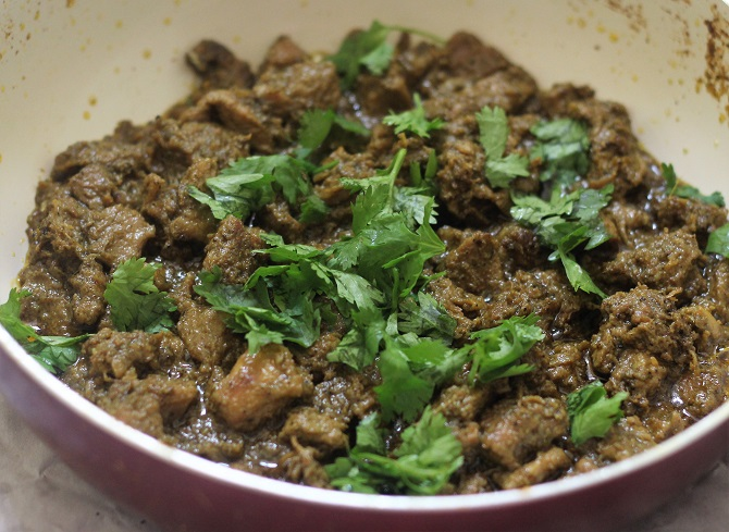 Spicy Mutton Fry Masala Recipe is a delicious and tasty meat recipe. Made with black pepper and green chili, the flavors and the aroma is simply amazing.