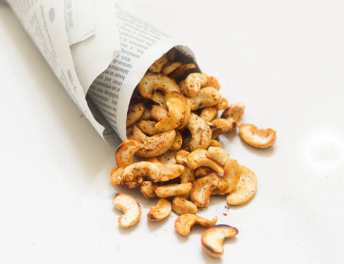 Masala Kaju recipe or the the spicy masala cashew nuts is a very quick and simple snack recipe.