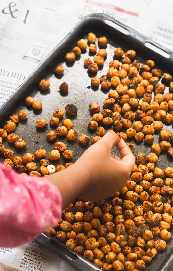 Crispy-Healthy-Roasted-Chickpeas-Recipe