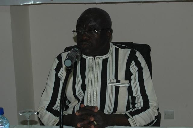 4.le ministre de l'Urbanisme et de l'Habitat, Dieudonné Maurice Bonanet, président de la cérémonie d'ouverture