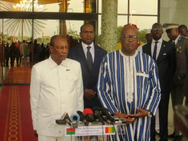 Les deux chefs d'Etat. SEM Alpha Condé à gauche et Rock Marc Christian Kaboré